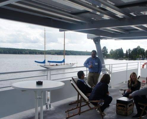 Meeting auf dem Dach des Seminarschiffes