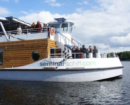 Solarschiff mieten in Berlin