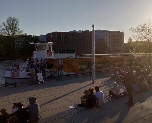 Einstieg an der Mercedes-Benz-Arena Berlin
